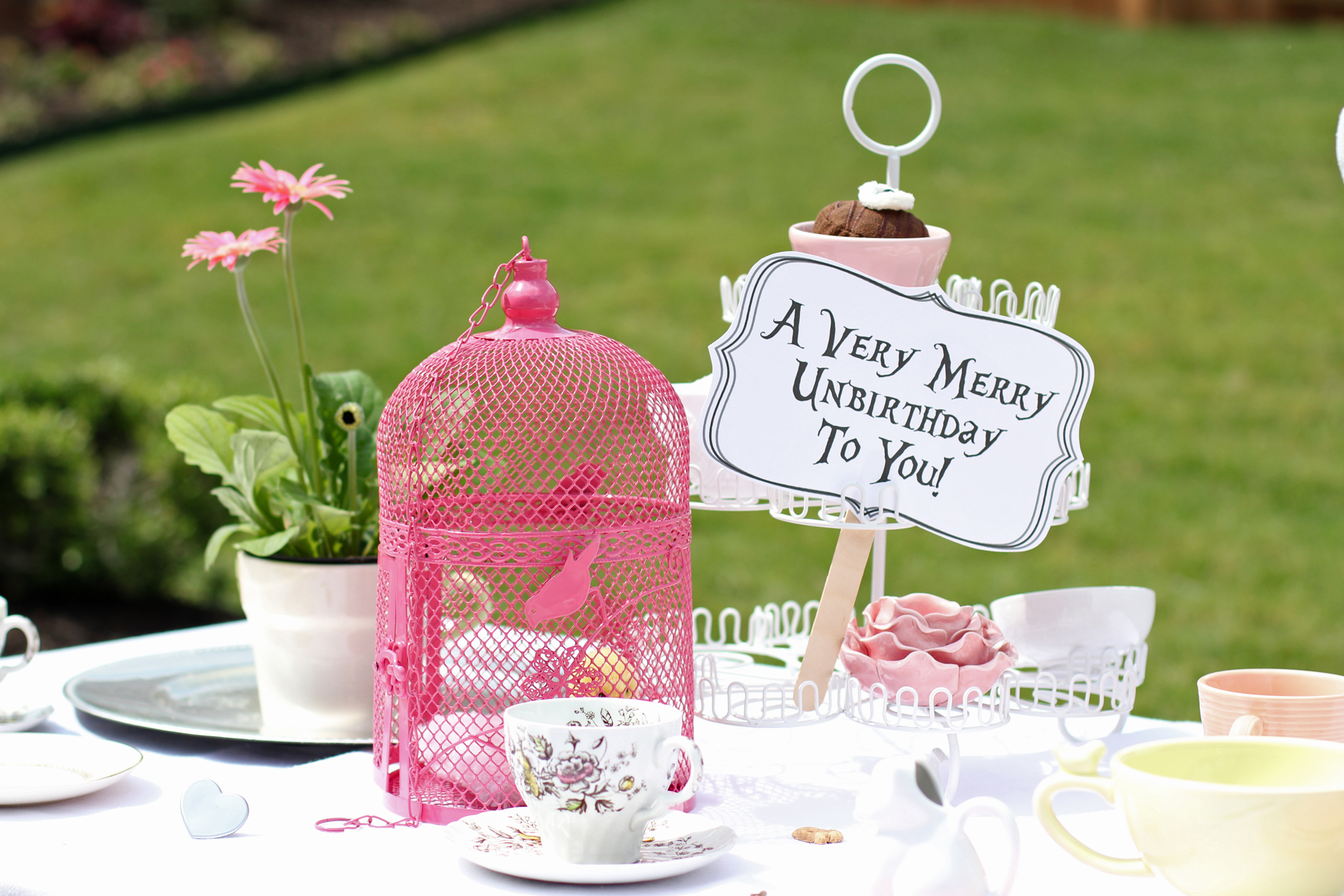 Mad hatter tea party decoration ideas - Mad Hatter Tea Party Decoration Ideas 48