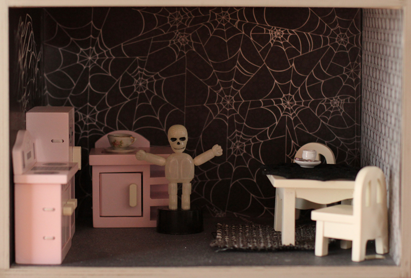 a halloween dollhouse